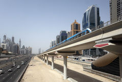 Línea del metro de Dubai Imagen de archivo