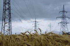 Línea eléctrica eléctrica Imagenes de archivo