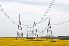 Línea eléctrica de alto voltaje Imagen de archivo