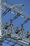 Línea eléctrica de arriba imagenes de archivo