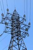 Línea eléctrica del pilón de la electricidad Imagenes de archivo
