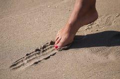 Línea en la arena imagen de archivo libre de regalías