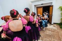 Línea entre bastidores de las muchachas del ballet Fotografía de archivo libre de regalías