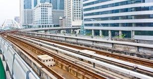 Línea ferroviaria del tren de cielo Imagen de archivo libre de regalías