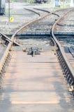 Línea ferroviaria travesía fotografía de archivo libre de regalías