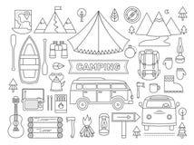 Línea iconos fijados de acampar Imagenes de archivo