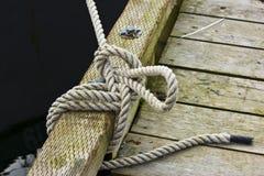 Línea nudo del muelle Foto de archivo libre de regalías