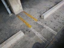 Línea para separado de aparcamiento Fotos de archivo libres de regalías