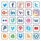 Línea plana del medios icono social en popular