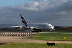 Líneas aéreas Airbus A380 de los emiratos Imágenes de archivo libres de regalías