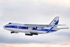 Líneas aéreas Antonov An-124 Ruslan de Volga-Dnepr Imagen de archivo libre de regalías