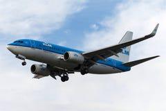 Líneas aéreas Boeing 737-7K2 de PH-BGN KLM Royal Dutch Imagen de archivo