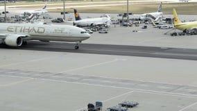 Líneas aéreas de Etihad almacen de metraje de vídeo