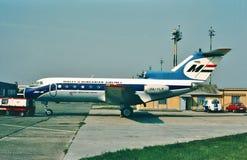 Líneas aéreas Yakovlev Yak-40 de Malev Hungría Imagen de archivo libre de regalías