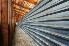 Líneas convergentes de perspectiva Fotos de archivo libres de regalías