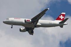 Líneas de aire internacionales suizas Imagenes de archivo