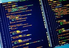 Líneas de código en la pantalla, cierre del PHP para arriba El convertirse del web del sitio usando lengua del PHP imágenes de archivo libres de regalías