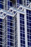 Líneas de fachada geométricas Fotografía de archivo libre de regalías