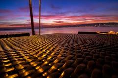 Líneas de la tabla a la puesta del sol maravillosa Imagen de archivo