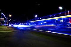 Líneas de luz largas de la exposición fotos de archivo