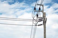 Líneas de transmisión de poder fotos de archivo