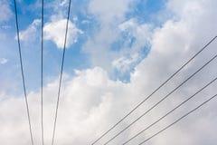 Líneas de transmisión de poder Fotografía de archivo