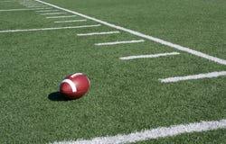 Líneas de yardas americanas del campo de fútbol Fotografía de archivo