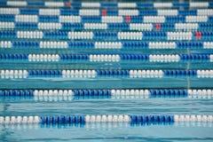 Líneas del carril de natación Imágenes de archivo libres de regalías