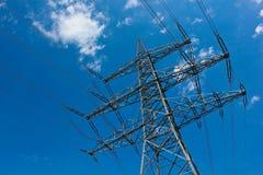 Líneas eléctricas al aire libre Fotos de archivo libres de regalías