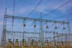 Líneas eléctricas de estación de Electric Power fotografía de archivo libre de regalías