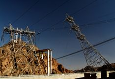 Líneas eléctricas de las presas de Hoover Imagenes de archivo