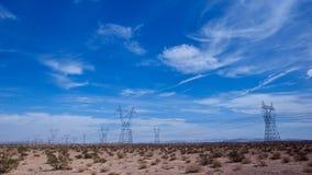Líneas eléctricas en el desierto Imagen de archivo