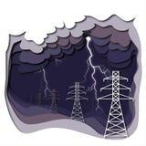 Líneas eléctricas y relámpago eléctricos en fondo nublado púrpura oscuro Fotografía de archivo