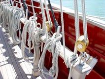 Líneas en el barco de vela Fotos de archivo libres de regalías