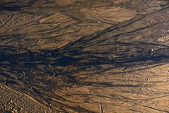 Líneas en la arena en la playa Fotos de archivo libres de regalías