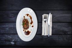 Língua de carne com molho e tomates da raiz de aipo Imagem de Stock Royalty Free