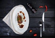 Língua de carne com molho e tomates da raiz de aipo Fotos de Stock