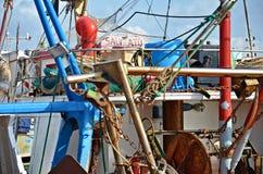 Lío en el barco en puerto Imagenes de archivo