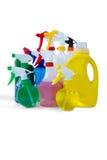 Líquido da limpeza em umas garrafas coloridas do pulverizador Imagens de Stock Royalty Free