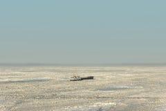 Lód morski splatający statek Obrazy Royalty Free