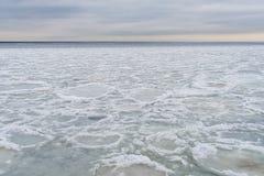 Lód na jeziornym Ladoga Zamarznięta woda Tekstura na lodzie Fotografia Stock