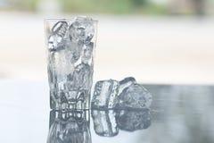 Lód na stole Zdjęcia Royalty Free