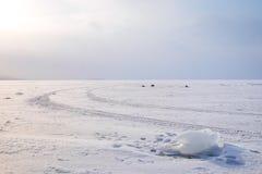 Lód na zamarzniętym jeziorze obrazy stock