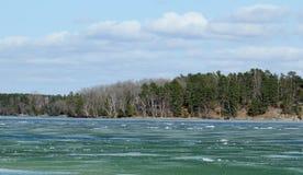 Lód out na jeziorze Zdjęcie Stock