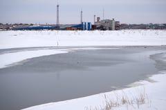 Lód przy pobliskimi stopniami i biegunem północnym Teraz jest łamany jądrowym icebreaker długookresowy lód Łamany lód przez kanał fotografia royalty free