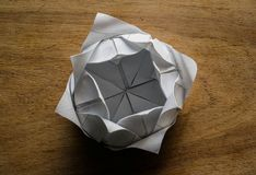 Lótus de Origami Imagens de Stock