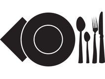 Löffel, Gabel, Platte, Serviette und Messer Stockfoto