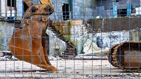 Löffelbagger an der Demolierungs-Site Lizenzfreie Stockfotos