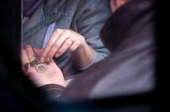 Lön med mynt royaltyfria foton