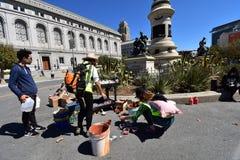 Löneförhöjning för klimatet, jobb, rättvisa; San Francisco 24 royaltyfri fotografi